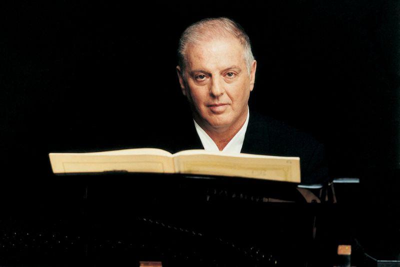 Barenboim Gibt Am 75 Geburtstag Benefizkonzert Musik Heute