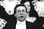 """ADN-ZB Link 23.10.87 Berlin: Jubiläum-Staatsakt. Zum Abschluß des festlichen Staatsaktes ertönte Ludwig van Beethovens 9. Sinfonie. Unter den Solisten des Finalsatzes mit der Kantate über Schillers """"Ode an die Freude"""" war Peter Schreier."""