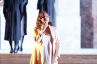 """Anna Netrebko als Leonora in """"Il trovatore"""""""
