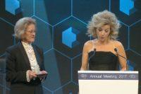 Anne-Sophie Mutter (re.) in Davos
