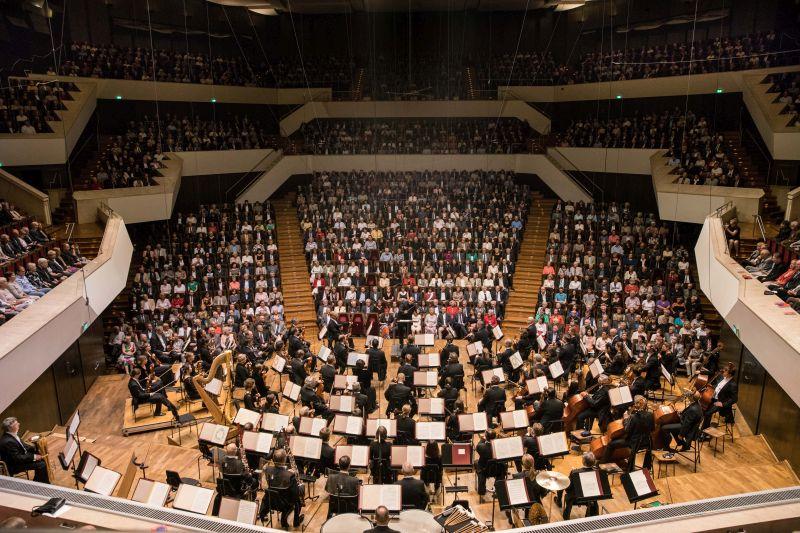 klangvolle geschichte gewandhausorchester leipzig wird 275 jahre alt musik heute. Black Bedroom Furniture Sets. Home Design Ideas