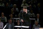 James Gaffigan dirigiert das Finnish Radio Symphony Orchestra