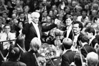 Leonard Bernstein 1987 mit dem Festivalorchester