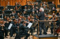 Sir Simon Rattle und London Symphony Orchestra